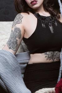 mandala-tattoo-girl-underboob